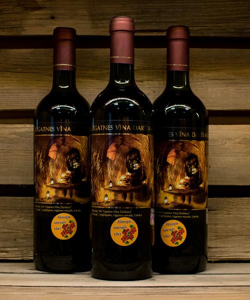 jāņogu sausais vīns 3