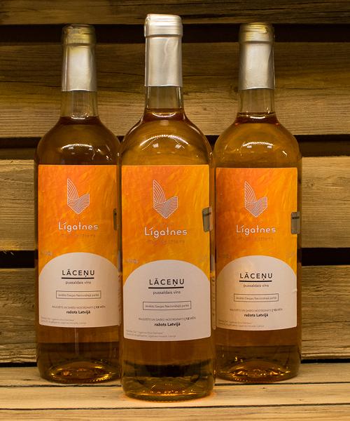 lāceņu pussaldais vīns 3