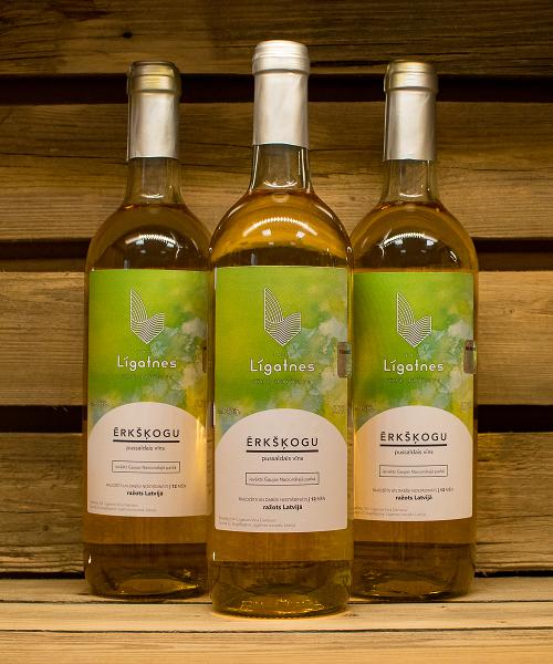 ērkšķogu pussaldais vīns 3