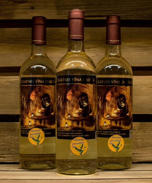 pieneņu pussaldais vīns 3